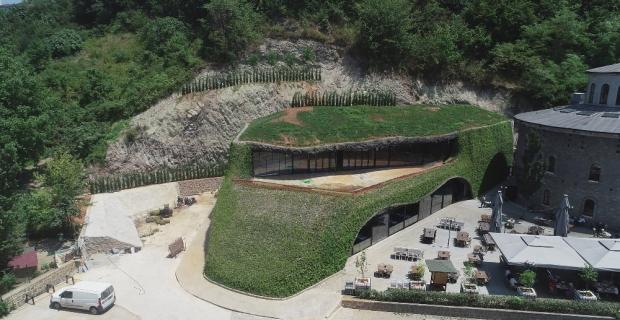 Trabzon'da 450 kişilik 'Hobbit evi' turistlerin ilgisini çekiyor